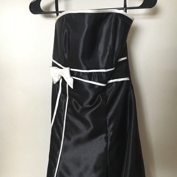 Jessica Mcclintock Dresses Strapless Black Homecoming Dress With